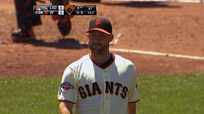 Giants can't solve Kershaw, lose in ninth