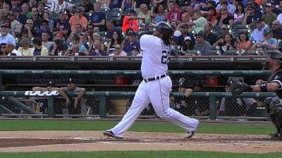 Tigers pay back White Sox with offensive fireworks