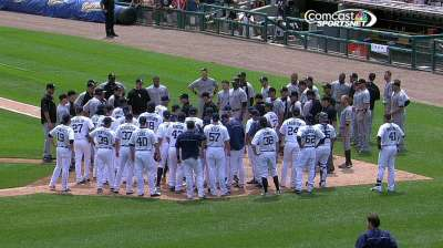 Benches clear in White Sox-Tigers game