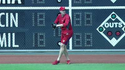 Halladay, Howard making progress with rehab