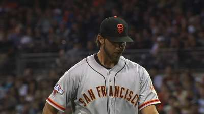 Giants surge in eighth to reward Bumgarner