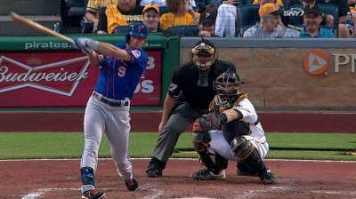 Mets outlasted by Pirates, drop opener in 11th