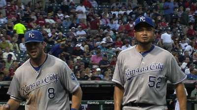 Royals can't break out in Chen's strong start