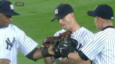 Yanks wait out the rain, top Twins in Bronx