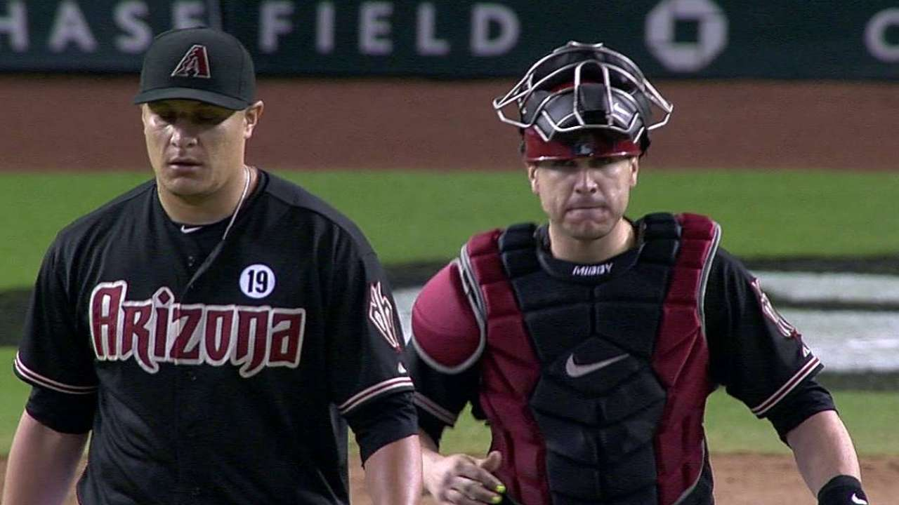 D-backs' Hernandez has torn UCL