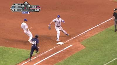 Hosmer makes first start in right field this season