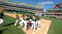 Donaldson walks A's off into All-Star break