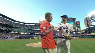 Seaver looks right at home on Citi Field mound