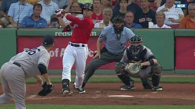 Doubront, dingers lead Red Sox past Yanks