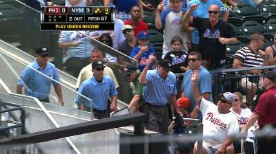 Two video reviews work in Mets' favor vs. Phils