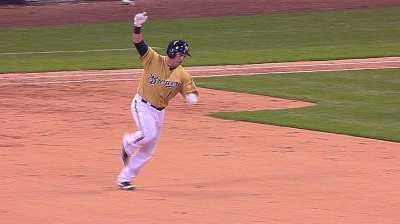 Gindl walks off in return to Brewers' lineup