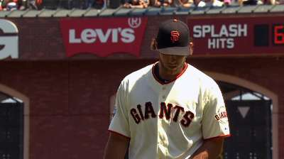 Bumgarner strong, but Giants can't complete sweep