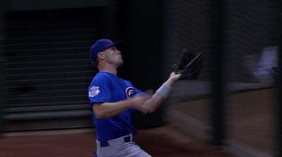 Gillespie going all out on defense for Cubs
