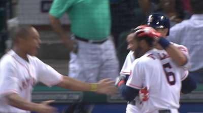 Villar's speed on display in Astros' walk-off