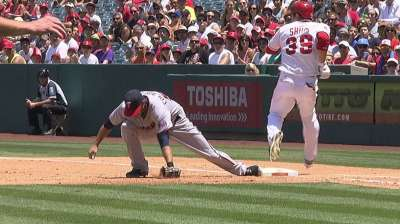 Twins can't support Pelfrey's strong start vs. Angels