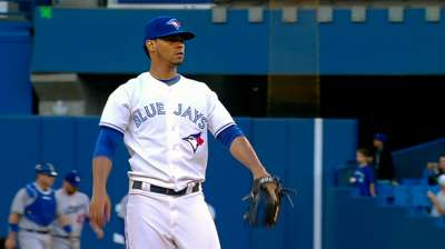 Blue Jays can't hold lead in ninth, fall in 10th