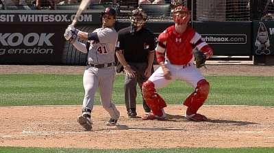 Verlander hit hard during loss to White Sox