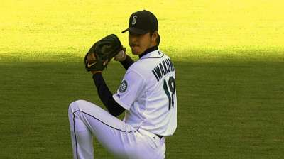 MLB Notebook: Felix, Iwakuma in rarefied air
