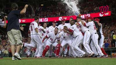 Zim's walk-off blast gives Nats twin-bill split