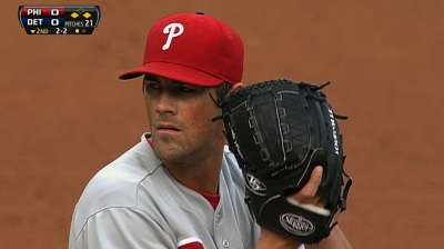 Hamels takes another loss as bats stay quiet amid slide
