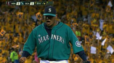 After Felix's gem, Mariners fall in 13