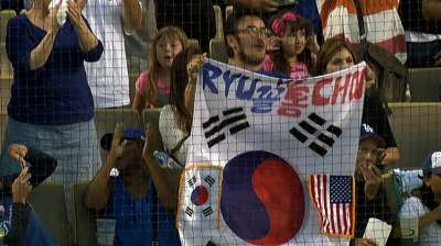 Choo-Ryu matchup a big draw for S. Korean population