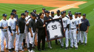 Former Yankee Matsui officially enters retirement