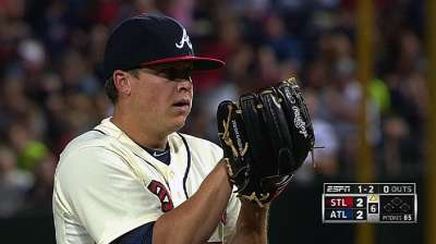 Braves finish sweep of best-record Cardinals