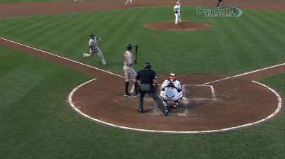 Villar displays fearlessness with straight steal of home