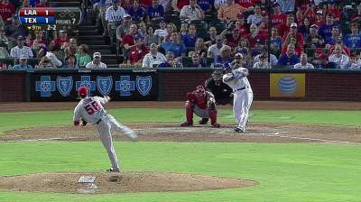 Hot-hitting Beltre wins AL Player of Month