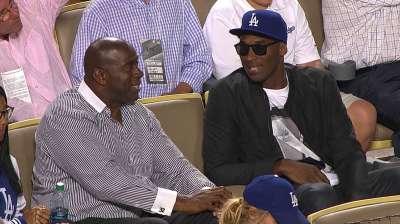Dodgers launching Magic Johnson bobblehead hunt