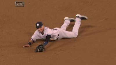Jeter runs bases during latest sim game