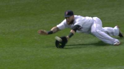 Gomes turns two in unique style to save Red Sox