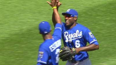Cain, Shields help extend Royals' streak to nine