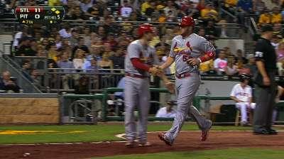 Cardinals' bats break out to snap long losing streak