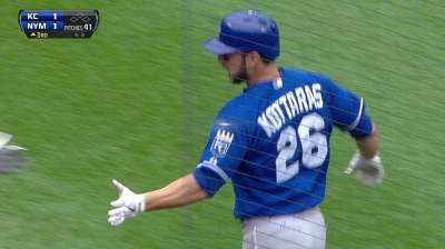 KC ships Kottaras to Cubs for cash