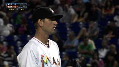 Marlins threaten late but fall short to Indians