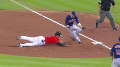 Gomes' throws help Tribe improve against baserunners