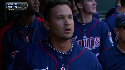 Mellizos sacan las escobas contra Astros con poder