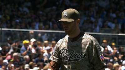 Kennedy triunfa ante Yankees en debut con Padres