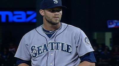 Mariners option Wilhelmsen, recall Capps