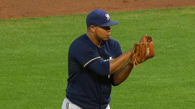 Sharp pitching carries Brewers past Giants
