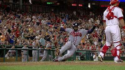 Lucky 13: Braves extend streak with rally in eighth