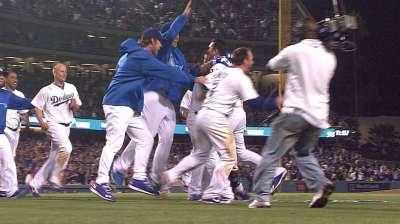 Four-run ninth lifts Dodgers to walk-off win