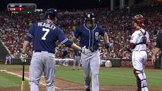Padres capitalize on mistakes to back dominant Ross