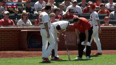 Beltran forced to leave game with foot contusion