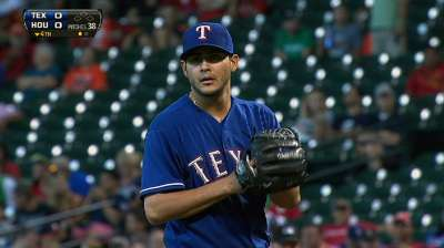 Perez throws first CG as Rangers cruise vs. Astros