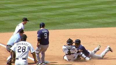 Defense aids De La Rosa's daylight dominance