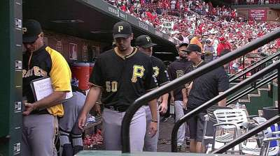 Pirates' walk-off loss to Cards closes gap in Central