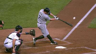 Quintana backed by HRs in road victory over Twins